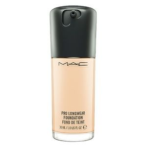 MAC Pro Longwear Foundation NW18